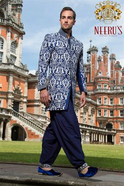 Clothes, shoes & accessories offers in the Neeru's catalogue in Noida
