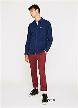 Men's trousers offers in the Pepe Jeans catalogue in Delhi