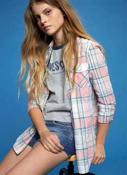 T-shirt offers in the Pepe Jeans catalogue in Nashik