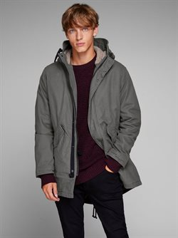 Clothes, shoes & accessories offers in the Jack & Jones catalogue ( 10 days left )